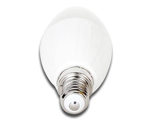 LED izzó C37 E14 6W 270° hideg fehér