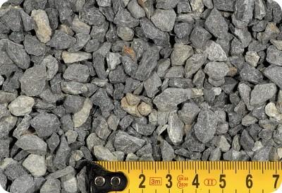 Szóró- és burkolati zúzalék  2-4 mm 25 kg-os kiszerelés
