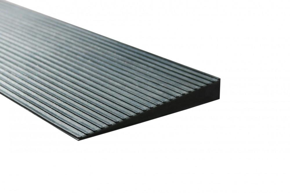 Küszöbáthidaló rámpa 15x140x900 mm Lefektethető gumi küszöb átvezető Teherbírás: 2 tonna