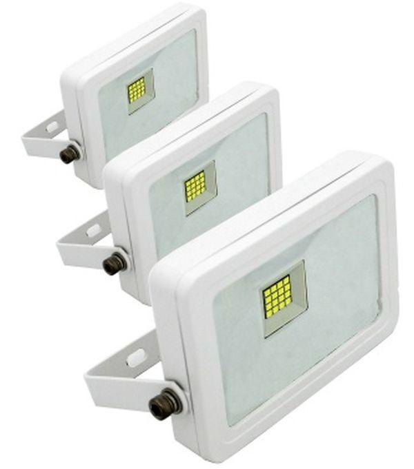 LED reflektor 30W HidegFehér 6000K 2690Lumen IP65 5év garancia