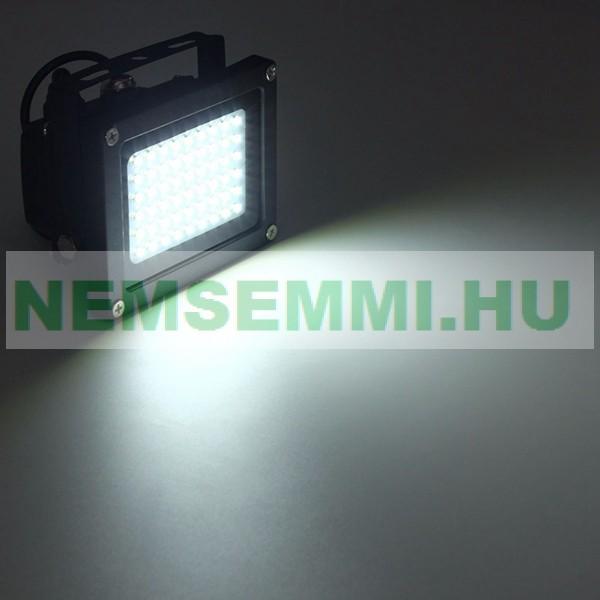 Napelemes lámpa 12V 3W napelem oszlopra is szerelhető 54 SMD LED beépített akkumulátorral