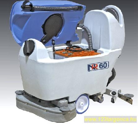 Takarítógép DEC NR2-52 akkumulátoros önjáró nedves ipari takarítógép 520 mm kefeszélesség, 805 mm tölrlési szélesség