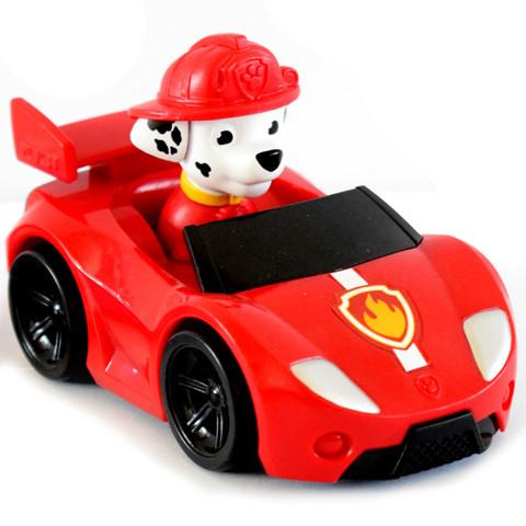 Mancs Őrjárat Marshall tűzoltókutya autóban