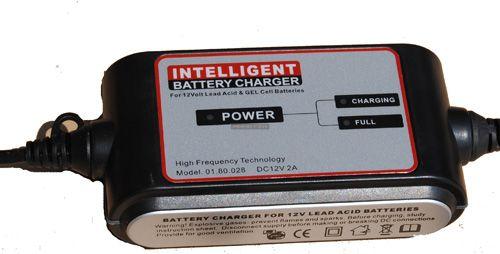 Carstel automata akkumulátor töltő 12V / 2A
